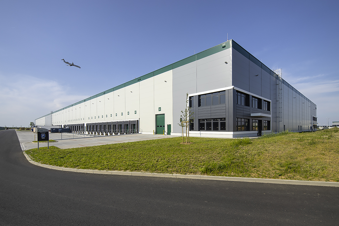 'Outstanding' DC3 at Prologis Park Prague-Airport